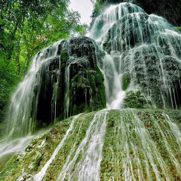 http://www.marivella.com/wp-content/uploads/2016/02/monasterio-de-piedra-turismo.jpg