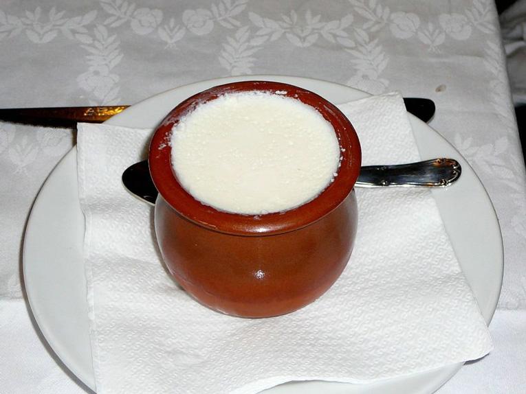 http://www.marivella.com/wp-content/uploads/2016/03/postre-restaurante-marivella.jpg