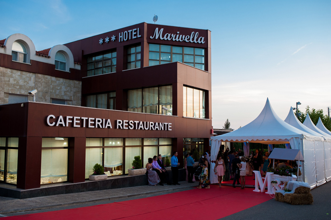 http://www.marivella.com/wp-content/uploads/2016/03/restaurante-marivella.jpg