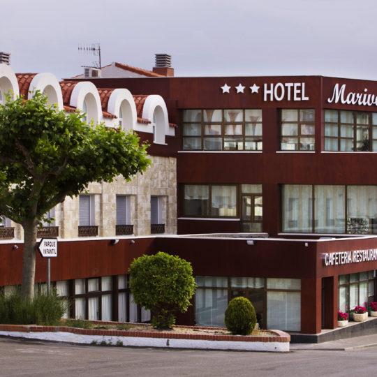 http://www.marivella.com/wp-content/uploads/2016/05/fachada-arbol-tres-estrellas-260511b-540x540.jpg