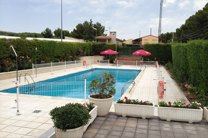 https://www.marivella.com/wp-content/uploads/2016/05/piscina-inicio.jpg
