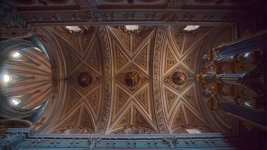 https://www.marivella.com/wp-content/uploads/2016/12/Iglesia-San-Juan-de-Real-2-1.jpg