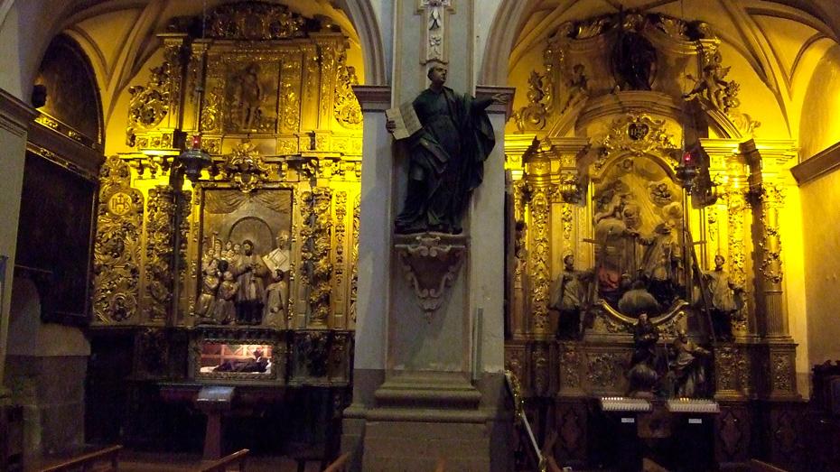 http://www.marivella.com/wp-content/uploads/2016/12/Iglesia-San-Juan-de-Real-3-1.jpg