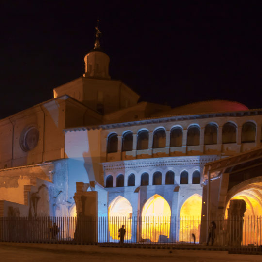 http://www.marivella.com/wp-content/uploads/2016/12/colegiata-santo-sepulcro-540x540.jpg