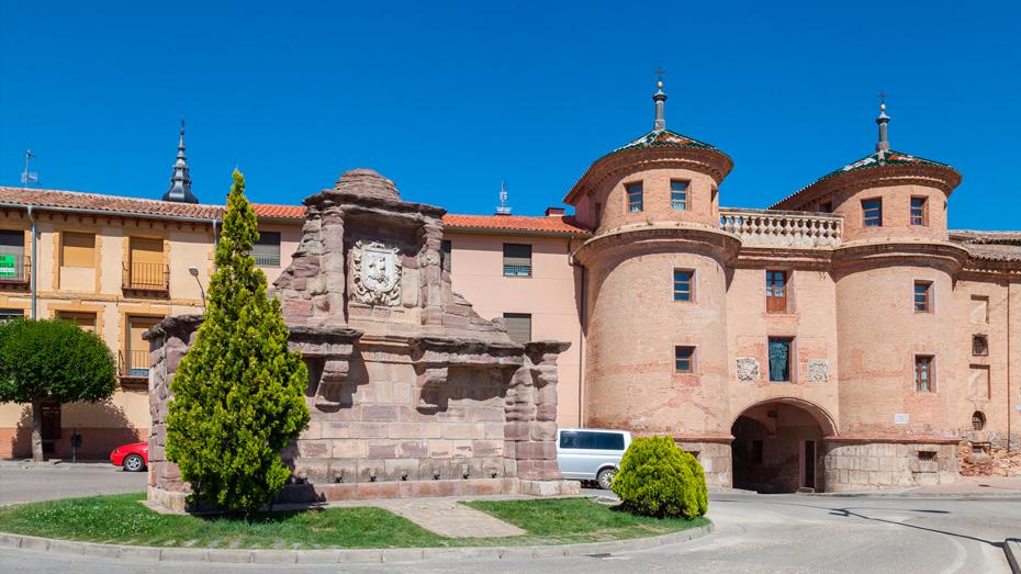 http://www.marivella.com/wp-content/uploads/2016/12/puerta-de-terrer-1.jpg